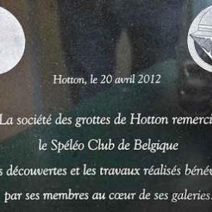 Inauguration de la plaque dans la grotte le 20 avril 2012