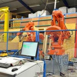 Libramont exhibition and congress hall construit par trois robots de Mobic sa-7152