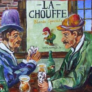 Buveurs de Chouffe en bleu et vert. A Achouffe, devant un estaminet (Clovis Grandhenry)