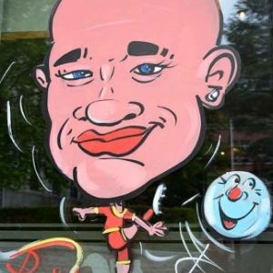 Caricature de Nainggolan, peinture sur vitre