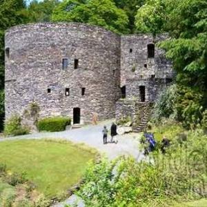 Visite des tours féodales de l'ancien château des Comtes de Salm