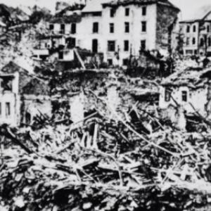 """""""Houffalize se souvient"""". Rue ville basse 1945"""