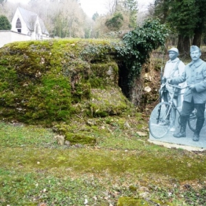 Haumont : deux soldats devant leur fortin