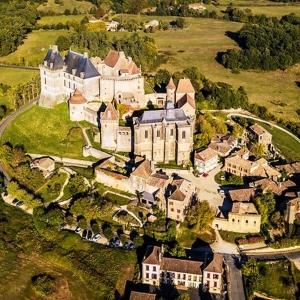 12. Le château de Biron, flamboyant témoin de l'histoire périgourdine
