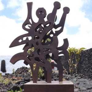El triunfador (1990 sculpture metallique situee a proximite de la Fundacion Cesar Manrique) ( de Cesar MANRIQUE )