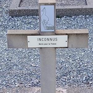 Plusieurs Inconnus, réunis dans la mort