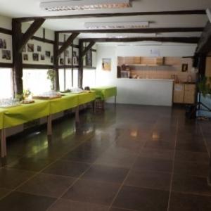 Rez-de-chaussee : restauration et réunion