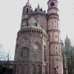 La Cathedrale de Worms ( vue arriere )