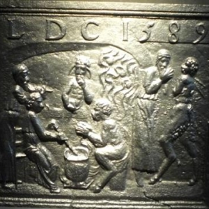 """Taque de foyer avec scene de """"Suzanne et les vieillards """" ( 1588 ou 1688 )"""