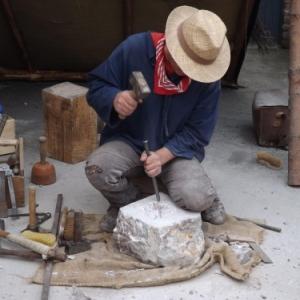 Vieux Metiers 2013 : le tailleur de pierre