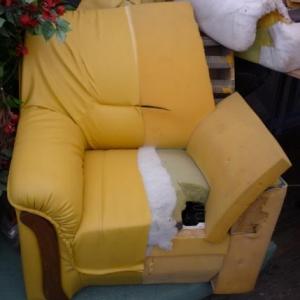 Les Garnisseurs reunis : les differentes opérations de confection d'un fauteuil