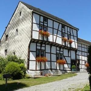 "La Maison Maraite ( ""anno 1592"")"