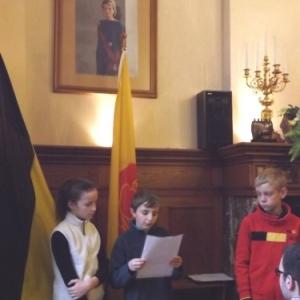 Les membres du Conseil communal des enfants exposent le projet de leur implantation