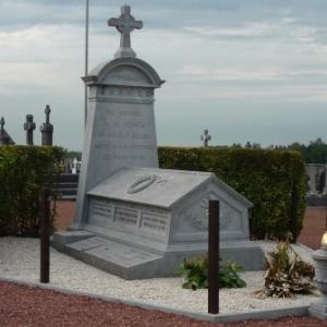 Le mausolee du soldat Antoine Fonck au cimetiere de Thimister