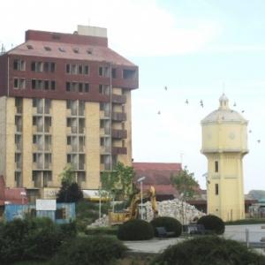 Le squelette de l'hotel de Vukovar
