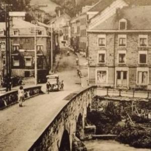 Le pont d ' Outrelepont et la montee vers Bernister