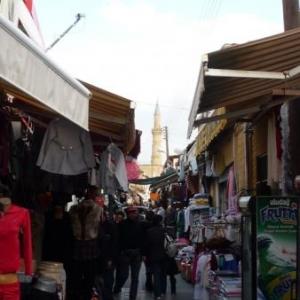 La rue commercante de Nicosie turque ( directement apres le poste de controle )