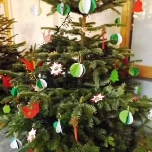 Decoration du cloitre par les eleves des ecoles