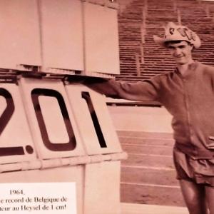 19964 Record du saut en hauteur