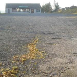 La cafeteria et son parking prets a accueillir les sportifs