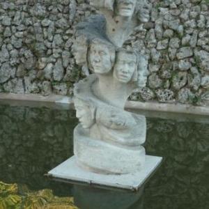 """""""Les Femmes en marche """" ( sculpture moderne )"""