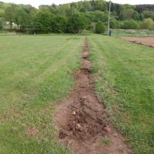 Les piquets du pourtour des terrains sont enleves
