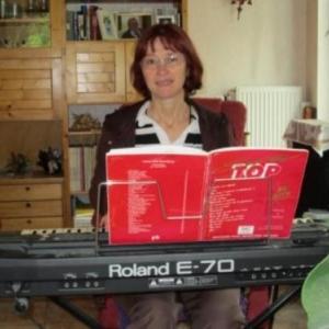 Mme Jacqueline Hurdebise ( Auteur-Compositeur synthe )