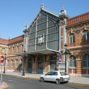 AW 020005 Almeria : l Estacion de Ferrocarril ( gare ) qui est un exemple parfait de l architecture en fer et verre termine en 1893