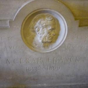 """Monument dans le foyer du Conservatoire. """" Hommagr de Paris ou il a vecu,  a la ville de Liege ou il est né """""""