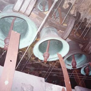7 Le carillon et son tambour