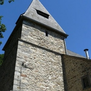 L'eglise de Bellevaux est dediee e Saint-Aubin et est classee « Anno 1435 ».