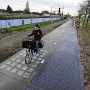La premiere piste cyclable solaire inauguree au Pays-Bas