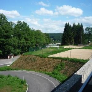 Vue du circuit du balcon d'une des 4 suites