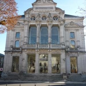 Facade du  theatre  ( 1868 )
