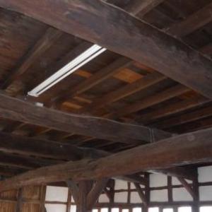 Les boiseries de plafond au rez-de-chaussée