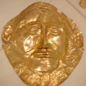 Musee de Mycenes : masque mortuaire en or