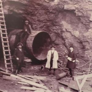 Le travail de creusement de la galerie souterraine sera entrepris simultanement aux deux extremites