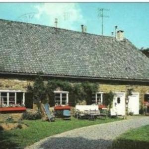 Mme Denise Gerion-Mossoux (Visite d'une ancienne ferme a Xhoffraix - 080/330426