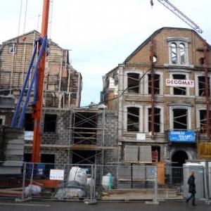 Les deux restaurants detruits par un incendie en cours de reconstruction