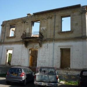 Une habitation proche de la zone frontaliere ( cote grec )