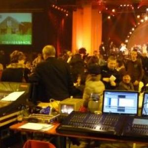 La table technique de salle : sons, lumieres, effets speciaux