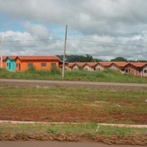 Les habitations en bordure de volle