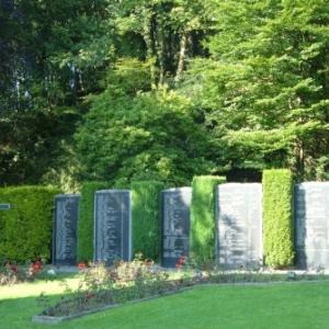 Le monument reprenant les noms de toutes les victimes cdes bombardements