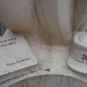 Le mausolee eleve a la memoire des 21 soldats du 288eme Regiment d' Infanterie