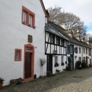 08.05  Kronenburg ( Photo : F. Detry )