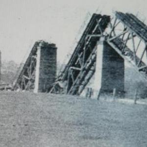 Le pont detruit durant la guerre