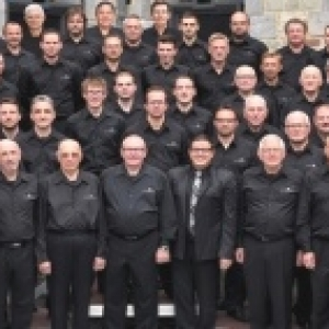 2015  Chanteurs 2015 ( 1er a gauche / 1er rang )