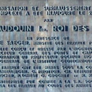 Plaque commemorative