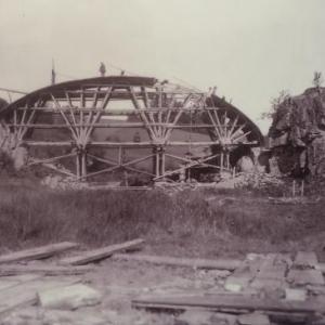 Le pont le plus eloigne du barrage et  le plus petit