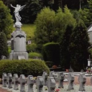 Les steles au cimetiere de Malmedy